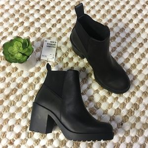 (H&M) Black Faux Leather Chunky Heel Ankle Booties